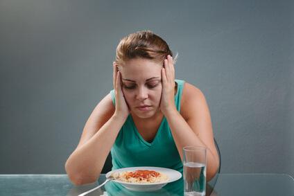 食欲の無い女性