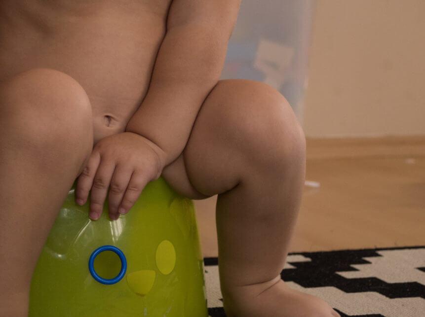 children-learn-toilet